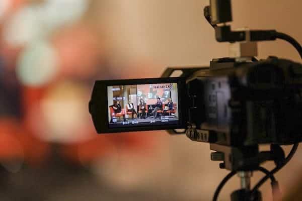 Livestream.watch Frankfurt - Kamera auf Podium gerichtet
