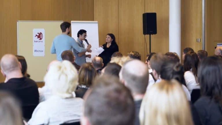 Publikum beim BarCamp der R+V