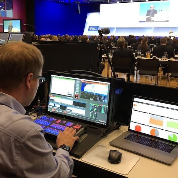Webcast Anbieter - Bildmischung auf Konferenz